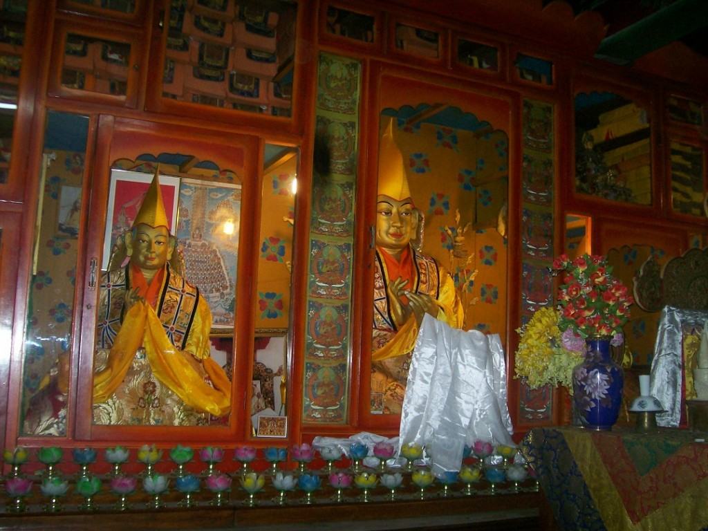 Je Tsongkhapa and Gyaltsab Je in the prayer hall